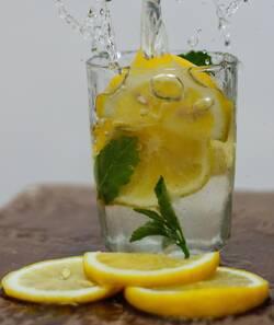 citroenwater-voor-buikvet