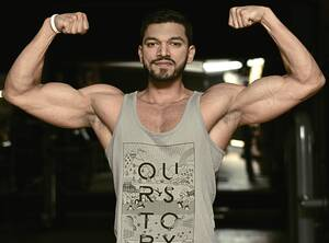 double-bicep-pose